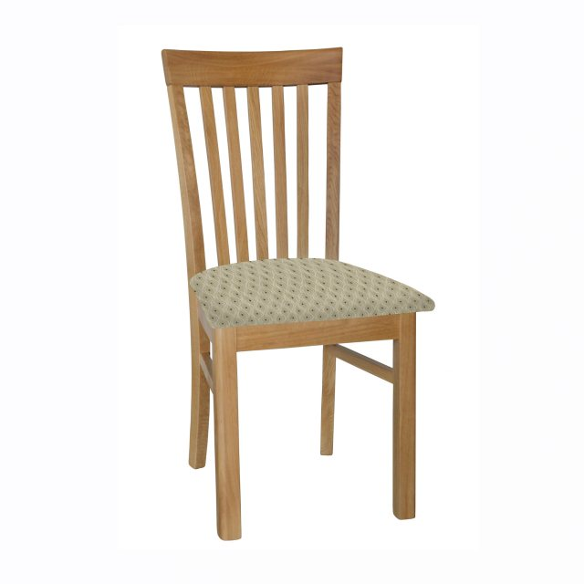The elegant Elizabeth dining chair upholstered in fabric is beautifully crafted from oak.