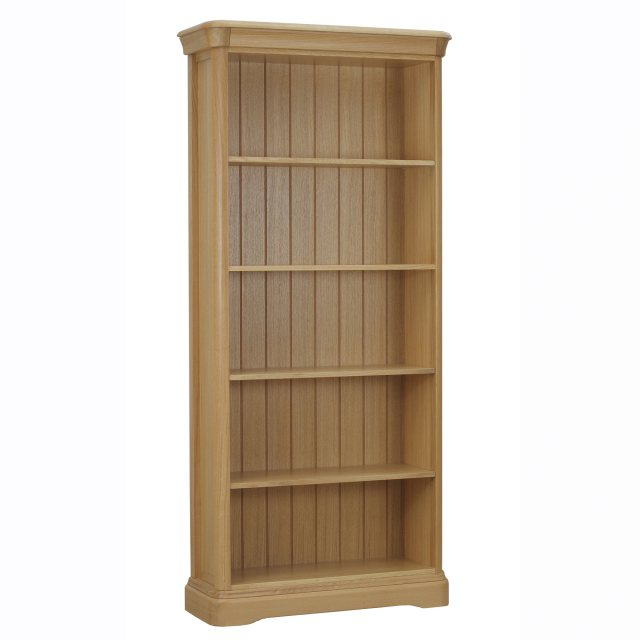 The Lamont bookcase is beautifully crafted from solid oak and oak veneer.